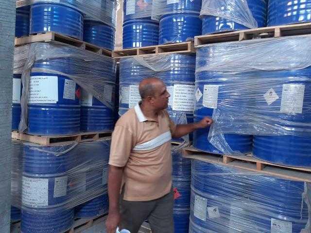 ضبط كمية من المواد الكيماوية منتهية الصلاحية بمدينة برج العرب