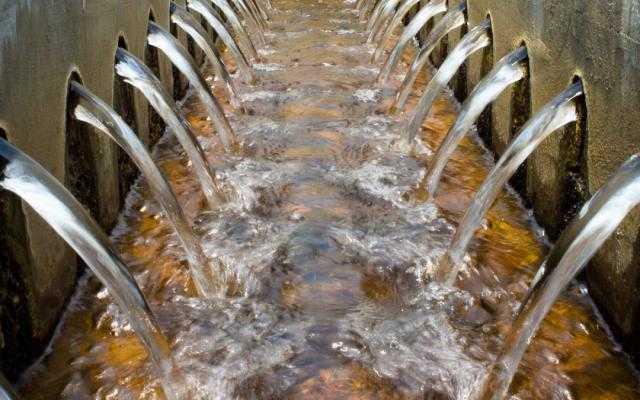الانتهاء من مشروع معالجة مياه الصرف الصحي بشرق الإسكندرية العام القادم