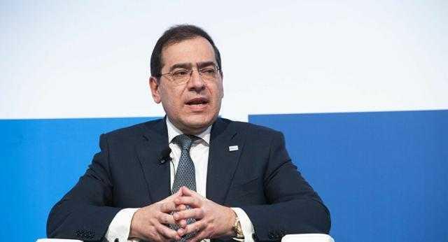 وزير البترول يعلن عن بدء التشغيل التجريبي لمصنع إنتاج الأسفلت بالسويس أكتوبر المقبل