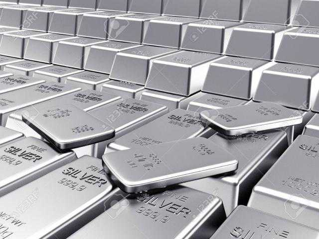 الفضة تتراجع لأدني مستوي لها منذ ديسمبر لتسجل 22.7 دولار