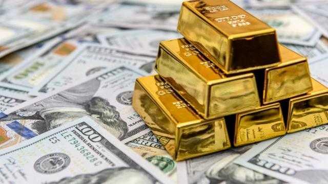الذهب يفقد أكثر من 35 دولار مع ارتفاع مؤشر الدولار