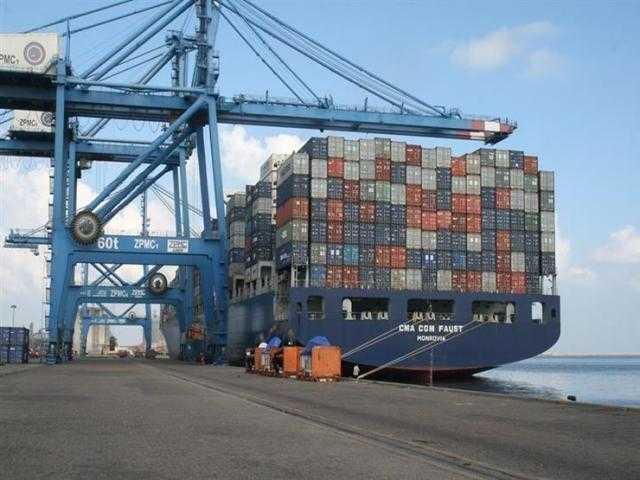 «ميناء دمياط» تصدير 33,950 طن بضائع عامة وإستيراد 27,534 طنًا خلال 24 ساعة الماضية