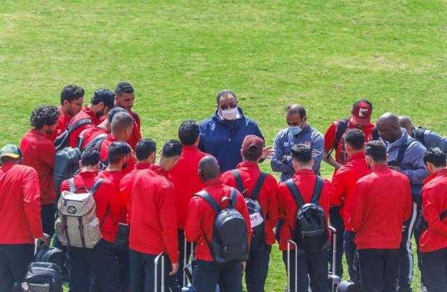 الخطيب يحفر لاعبي الأهلي قبل مباراة السوبر المصري