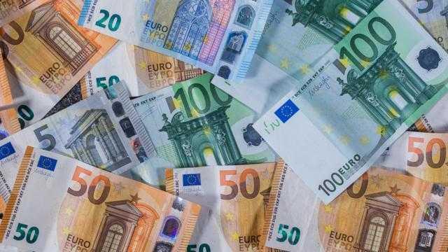 أسعار اليورو تنخفض بالبنوك في منتصف تعاملات الأحد 19 سبتمبر 2021