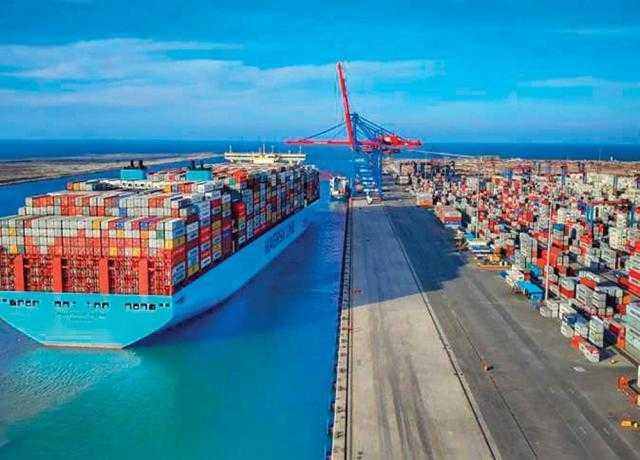 «البحر الأحمر» : تداول 15 ألف طن بضائع عامة اليوم الأحد بالميناء