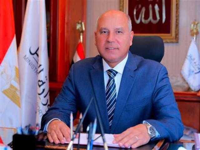 «وزير النقل» يتابع الأعمال الإنشائية لميناء المكس الجديد بالإسكندرية