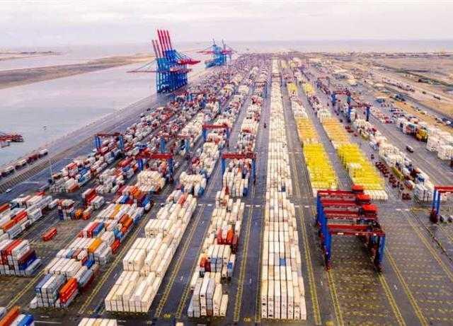 قناة السويس : تستقبل سفن بحمولات تبلغ 3.18 مليون طن خلال أغسطس الماضي