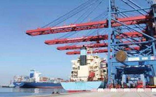 شحن 4300 طن صودا كاوية وتفريغ 5790 طن رخام بميناء بورسعيد اليوم