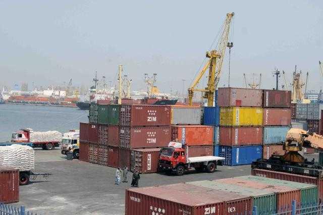 محافظ بورسعيد يبحث آليات ربط منفذ النصر الجمركي بالميناء إليكترونيًا