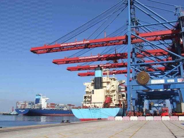 موانئ البحر الأحمر تشهد تداول 274 شاحنة 3500 طن بضائع