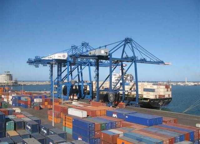 «ميناء دمياط» : رصيد صومعة الحبوب والغلال بالميناء تجاوز 112 ألف طن