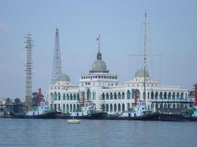 «موانئ بورسعيد» : تداول 21 سفينة خلال تعاملات اليوم الخميس