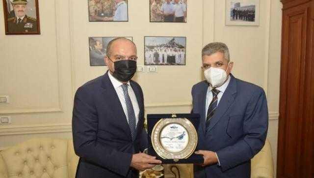 رئيس هيئة قناة السويس يبحث مع سفير الأردن  سبل التعاون المشترك بين البلدين