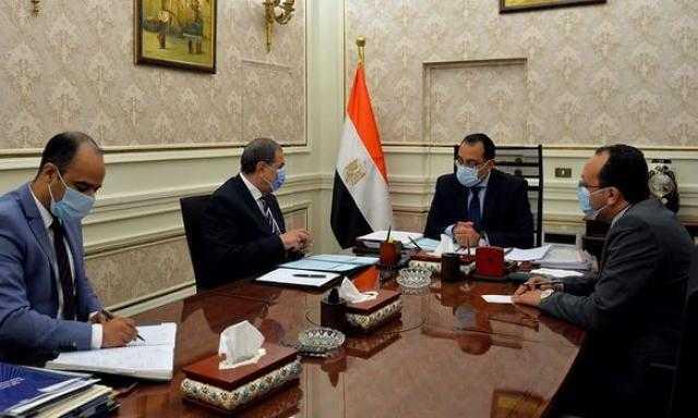 رئيس الوزراء يبحث تطورات ملف عودة العمالة المصرية إلى ليبيا والعراق