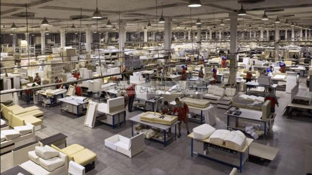 مصنع اثاث - صورة أرشيفية