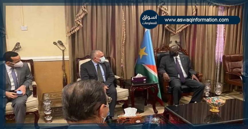 وزير الري مع مسئولين بجنوب السودان