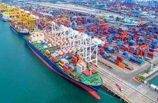 موانئ البحر الأحمر تستقبل 339 شاحنة و8 آلاف طن بضائع عامة
