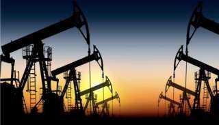 النفط يحقق مكاسب أسبوعية بنحو 3%