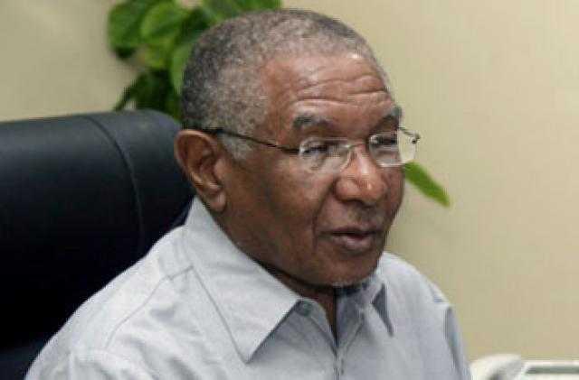 وزير النفط السوداني يأمل في إنهاء إغلاق الشرق لتفادي خسائر بالغة